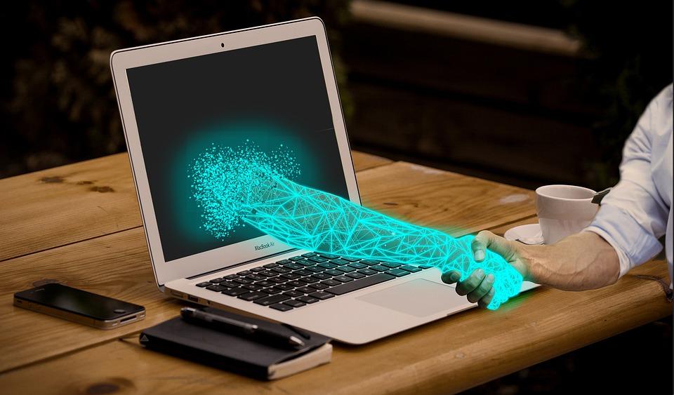 La technologie au sein d'une entreprise : le pour et le contre